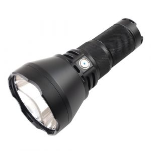 Image of a throw flashlight with wide lens and short body